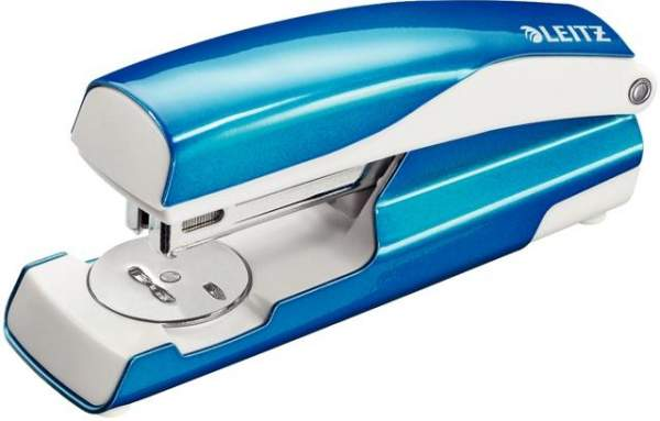 Heftgerät Leitz 5521 WOW für Heftklammern 24/6 + 26/6 30 Blatt 3mm blau metallic